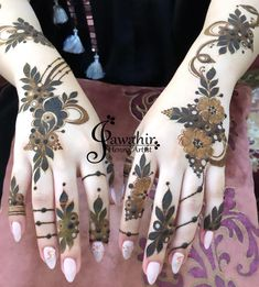 Image may contain: 1 person Finger Mehendi Designs, Henna Flower Designs, Modern Henna Designs, Latest Arabic Mehndi Designs, Back Hand Mehndi Designs, Mehndi Designs Book, Legs Mehndi Design, Mehndi Designs For Beginners, Mehndi Design Pictures