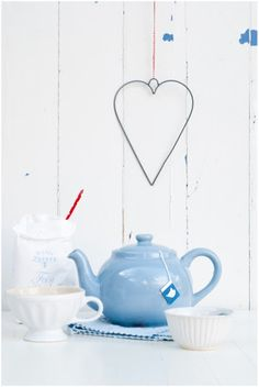 ღ blue teapot Love Blue, Blue And White, Minty House, Color Celeste, House By The Sea, White Cottage, Blue Rooms, My Cup Of Tea, Warm And Cozy