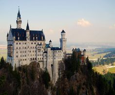 Actually, I have already been here (Neuschwanstein Castle). But I want to visit again.