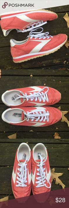 EUC Brooks Heritage Vanguard - 8.5 EUC Brooks Heritage Vanguard, size 8.5. Pink/white color. This is a lifestyle shoe based on vintage running shoes (from the 70's) Brooks Shoes Athletic Shoes