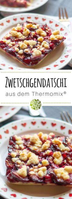 Es ist Zwetschgenzeit! Diese feiern wir mit unserem Ruck-Zuck Zwetschgendatschi aus dem Thermomix. Da der Teig ohne Hefe auskommt, wird er wirklich richtig schnell fertig. Alle will-mixen.de Rezepte sind für TM31 und TM5 geeignet. #willmixen #thermomix Vegan Thermomix, Thermomix Desserts, Frozen Yoghurt, Sweet Bakery, Fabulous Foods, Cakes And More, Oreo, Muffins, Food And Drink