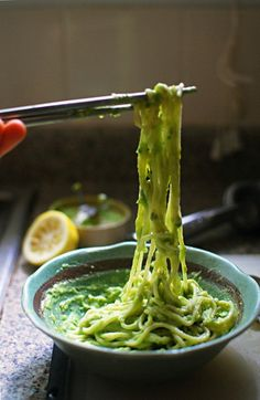 Avocado alfredo: creamy, green and vegan/paleo friendly (if you use a different type of pasta/spaghetti squash maybe)