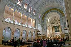 L'intérieur de la Basilique Notre-Dame de Fátima - Portugal