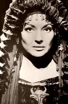 Maria Callas nata a New York il 2 dicembre 1923 da genitori greci. Suo padre…