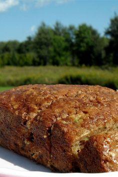 Easy Zucchini Bread, Zucchini Bread Recipes, Banana Bread Recipes, Zuchinni Bread, Quick Bread, Baking Recipes, Dessert Recipes, Muffin Recipes, Cookie Recipes
