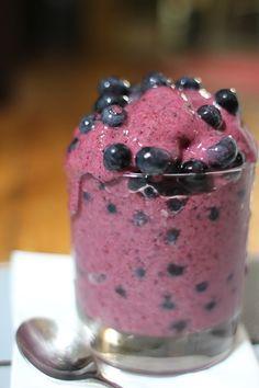 Cremiges und leckeres Low Carb Eis in sekundenschnelle! Mit jeder Frucht möglich und wirklich super lecker mit wenig Kohlenhydraten!