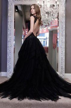 Sophisticated Winnie Couture Wedding Dresses 2016 / http://www.himisspuff.com/black-wedding-dresses/2/