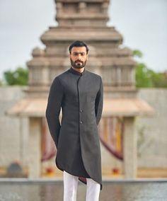 Indian Wedding Suits Men, Sherwani For Men Wedding, Mens Indian Wear, Mens Ethnic Wear, Wedding Dress Men, Indian Men Fashion, Wedding Outfits, Designer Suits For Men, Designer Clothes For Men
