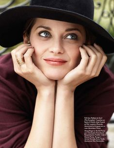 Marion on Top – French actress Marion Cotillard stars in the August edition of Elle France in a lighthearted and energy-filled shoot. Captured by Matt Jones… Marion Cotillard, A Very Long Engagement, Matt Jones, Beautiful People, Beautiful Women, Pretty People, Portraits, French Actress, We Are The World