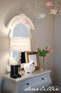 Dear Lillie DIY::  Ruffled Lampshade Tutorial