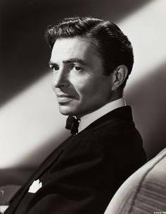 James Mason The man with the most amazing voice for Hollywood back then. Hollywood Men, Golden Age Of Hollywood, Hollywood Stars, Classic Hollywood, Vintage Hollywood, Old Movie Stars, Classic Movie Stars, Classic Films, James Mason