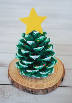 Your Kids Will Love These Super-Simple Christmas Crafts cr. - Your Kids Will Love These Super-Simple Christmas Crafts crafts - Christmas Decorations For Kids, Christmas Crafts For Toddlers, Christmas Tree Crafts, Toddler Crafts, Christmas Fun, Beautiful Christmas, Pinecone Crafts Kids, Christmas Tree Pinecones, Diy Ornaments For Kids