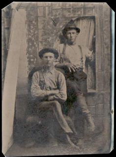 The photo is of a tintype recently discovered in Globe, Arizona. There seems to be a chance the two men depicted are Billy (standing) and Joe Antrem. Vintage Photographs, Vintage Photos, Old West Outlaws, Old West Photos, Unusual Facts, Billy The Kids, Bagdad, Bonnie N Clyde, Cowboys And Indians