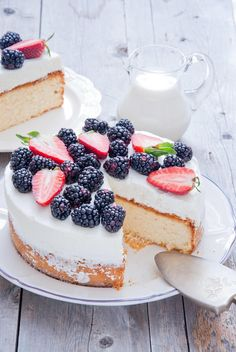Delicious cake with berry by letterberry on 500px