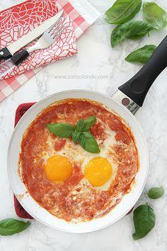 Uova al pomodoro alla toscana - Poached Eggs in Tomato Sauce