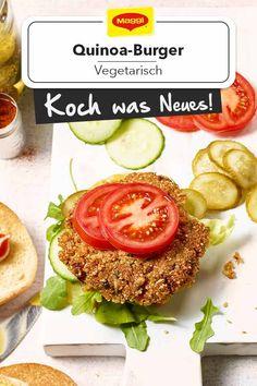 Ein leckerer Burger ganz ohne Fleisch. Der Quinoabratling ist außen kross und innen saftig und macht sich perfekt als Patty-Ersatz auf einem leckeren Burgerbrötchen mit Rucola, Salat, Gewürz- und Salatgurke sowie Tomatenscheiben und Sauce. #rezept #vegetarisch #burger #quinoa #bratling #salat #gewürzgurke Quinoa Burger, Burger Co, Maggi, Rocket Salad, Lettuce, Tomatoes, Meat, Hamburger Buns