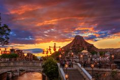 ning our trips to Japan, and we've updated this almost neurotically as we learn from our travels and research.This Tokyo DisneySea and Tokyo Disneyland Guide has