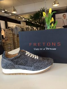 Sneakers van Fretons (Fred de la Bretoniere) bij www.puurlutz.nl Front Row, Fashion Inspiration, Louis Vuitton, Van, Shoe Bag, Sneakers, Shoes, Tennis, Slippers