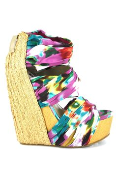 Senso Saba wedges - these look really wrong - like, they're wrong-side up! Honestly, any wedge should have the longest part be on the FOOT, not the ball of the foot! Might as well, all of you wearing these styles, bind your feet, because you aren't going to be able to walk when you're in your 50s!