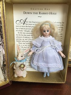 Alice in Wonderland UFDC Cathy Hanson Darlene Lane Antique Mignonette Doll