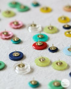 Insanely simple, but totally adorable - DIY Button Thumb Tacks | Inspired by Charm .