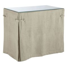 Wonder if I can do a version of this table skirt on an oval table