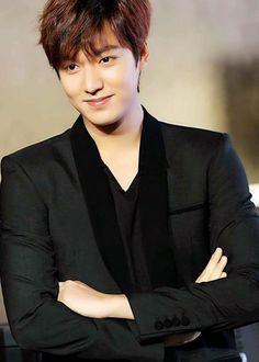"""""""i love lee minho hes so pretty"""" Kim Woo Bin, Asian Actors, Korean Actors, Korean Dramas, Korean Guys, Asian Guys, Korean Idols, Lee Min Ho Shirtless, Legend Of Blue Sea"""
