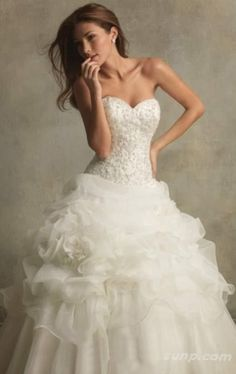 beautiful beautiful beautiful wedding dress