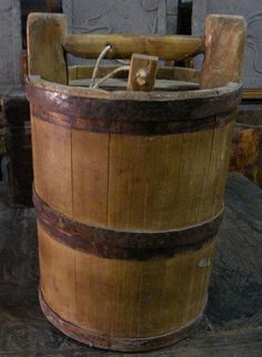 Chinese antique water bucket