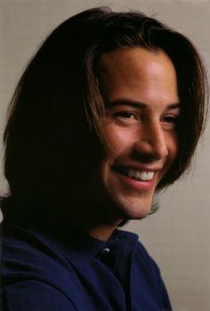 This is a magic smile of Keanu Reeves. I hope he can smile like this forever. He has been working too much. You take a break and relax. Keanu Reeves John Wick, Keanu Reeves Young, Keanu Charles Reeves, Film Man, Keanu Reaves, John Constantine, Actrices Hollywood, Good Looking Men, Karl Urban