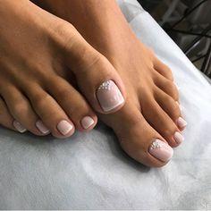 Pedicure nail art, manucure pedicure, toe nail art, pink wedding nails, she Bridal Toe Nails, Bride Nails, Prom Nails, Bridal Pedicure, Wedding Toe Nails, Wedding Toes, Beach Wedding Nails, Pretty Toe Nails, Cute Toe Nails