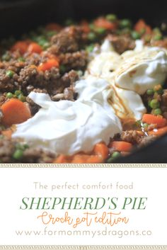 Shepherds pie perfect and easy comfort meal. Slow cooker. Crock pot. Dinner. Recipe. Fall recipes for the family. Food. Casserole to feed big family.