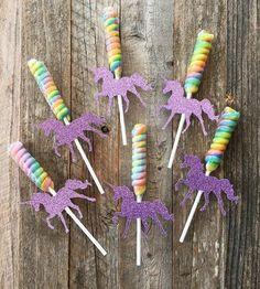 Unicorn horn lollipops