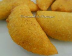Empanadas de maiz Meat Recipes, Mexican Food Recipes, Snack Recipes, Cooking Recipes, Snacks, Boricua Recipes, Venezuelan Food, Colombian Food, Colombian Recipes