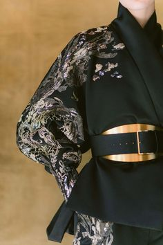 Elie Saab Couture, Haute Couture Dresses, Style Couture, Couture Details, Couture Fashion, Luxury Fashion, Womens Fashion, Elie Saab Designer, Suit Jackets For Women