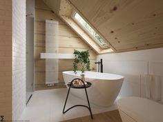 Drewniany minimalistyczny dom   Proj: Elementy   IH - Internity Home Loft Bathroom, Upstairs Bathrooms, Bedroom Loft, Bathroom Interior, Small Bathroom, Bad Inspiration, Bathroom Inspiration, Style At Home, Toilette Design
