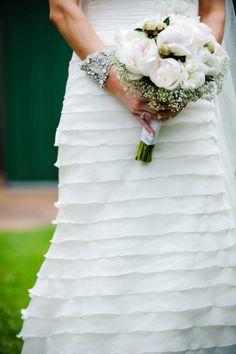 bouquet. Pronovias wedding dress.