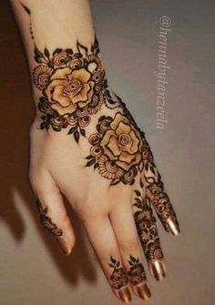 Henna Hand Designs, Mehndi Designs Finger, Floral Henna Designs, Arabic Henna Designs, Modern Mehndi Designs, Mehndi Designs For Girls, Mehndi Design Photos, Mehndi Designs For Fingers, Beautiful Henna Designs