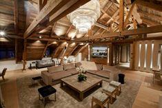 Rustikale Maisonette-Wohnung holz decke balken offen gestaltet-bo design