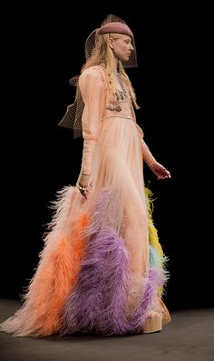 Gucci Women's Fall Winter 2016 2017 Runway Show