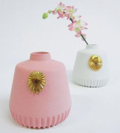 Contemporary ceramic vases and vessels by Lenneke Wispelwey