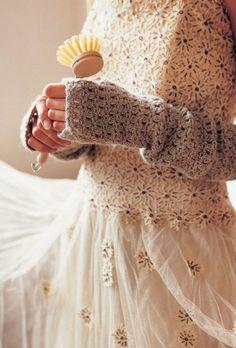 DIY crochet fingerless mittens