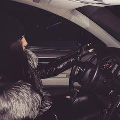 Fur & cars Добавь, ставь нравится, поделись. Add, Like, Share! #furonline #furfashion #furstyle Life is good! chanel-versace
