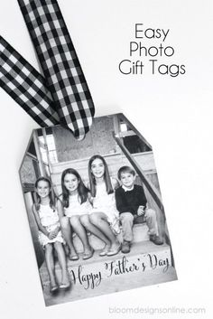 Cool DIY Father's Day gifts: Simple DIY photo gift tags for Father's Day via Bloom Designs Diy Father's Day Gifts, Father's Day Diy, Craft Gifts, Fathers Day Gifts, Christmas Gift Wrapping, Christmas Tag, Christmas Crafts, Creative Gift Wrapping, Creative Gifts