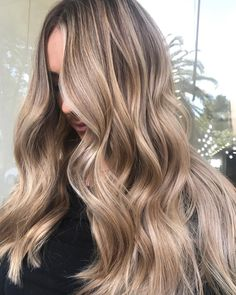 "522 Beğenme, 4 Yorum - Instagram'da N A T A L I E A N N E (@natalieannehair): ""Team effort Colour by @elliemareehair using @schwarzkopfproanz ✅ Styling by @rachellerosehair"""