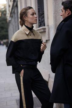 Piazza Sempione Pre-Fall 2019 Fashion Show Collection: See the complete Piazza Sempione Pre-Fall 2019 collection. Look 19 Fashion Week, Diy Fashion, Runway Fashion, Fashion Brands, Autumn Fashion, Fashion Looks, Fashion Outfits, Womens Fashion, Fashion Design