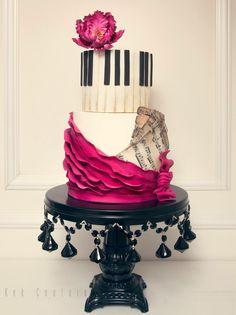 Piano keys cake ♥