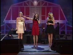 """Carrie Underwood, Martina McBride, and Julianne Hough perform """"Rockin' Around The Christmas Tree"""" at the Grand Ole Opry at the Ryman, and on GAC's Opry Live. Christmas Shows, Christmas Music, Country Christmas, Christmas Movies, Christmas Holiday, Music Jam, Live Music, Country Singers, Country Music"""