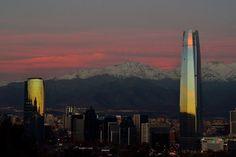 Si solo tienes 48 horas para descubrir lo mejor de Santiago de Chile, debes llegar con una buena idea de dónde quedarte, dónde comer, qué hacer y cómo ordenar las actividades. Si te gusta viajar a las grandes capitales del mundo, ya sabrás que cada ciudad tiene sus fuertes y sus puntos ...
