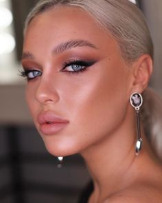 Glowy Makeup, Nude Makeup, Beauty Makeup, Bridal Makeup Looks, Bridal Hair And Makeup, Hair Makeup, Makeup Goals, Makeup Inspo, Makeup Inspiration